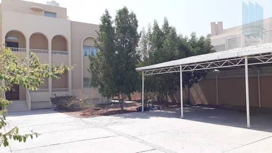 فیلا 6 غرف نوم للبيع في الممزر، دبي - Villa in a prime location for sale in Al Mamzar