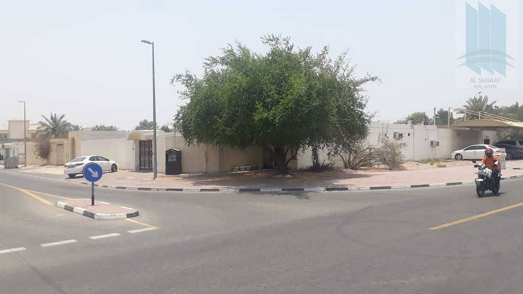 For sale good 5 BR  house in Al-Twar first