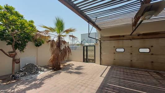 4 Bedroom Villa for Rent in Al Garhoud, Dubai - BR 4 Compound Villa with Back yard