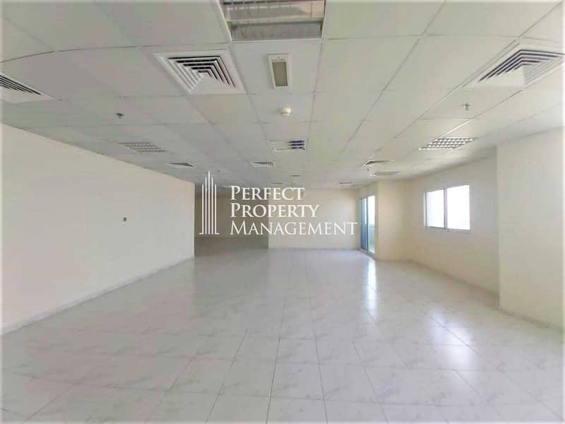 Office Space  for rent prime location  In RAK TOWER
