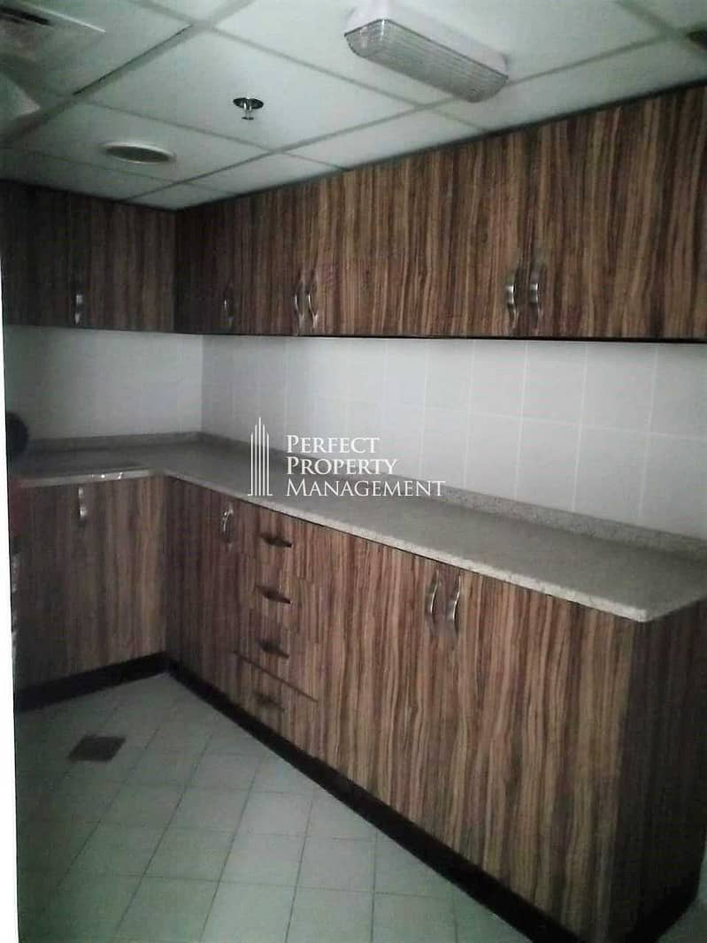 10 Spacious Office For Rent 12 Chq/1 Month Free