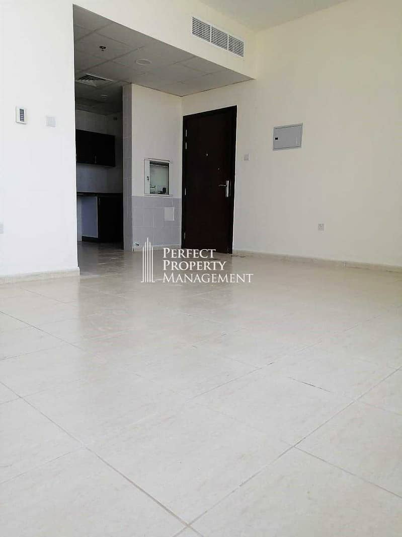 2 Studio/1 Month Free/Monthly Basis