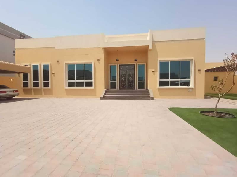 Brand new villa for rent in Al Awir (4 master bed room + large hall+ 2 kitchen outside inside + garden + private parking+ storage room + dinning room  )