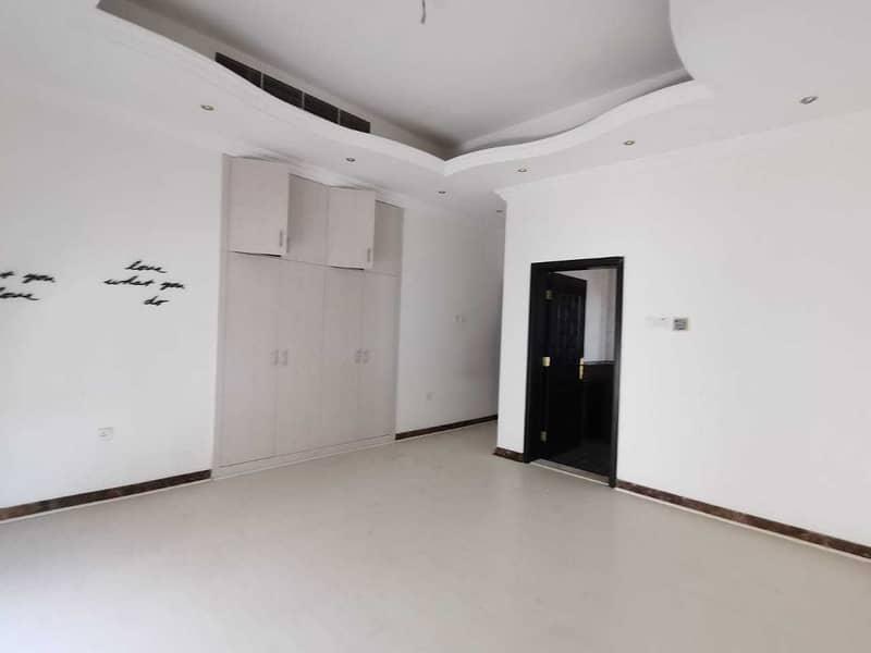 Supper luxury villa for rent  in Al khawaneej ( 6 master bed room + 2 hall + 1 majlis + 2 kitchen + 1 maid room + 1 driver room + 1 garden + 1 mall hack 1+ dining room )