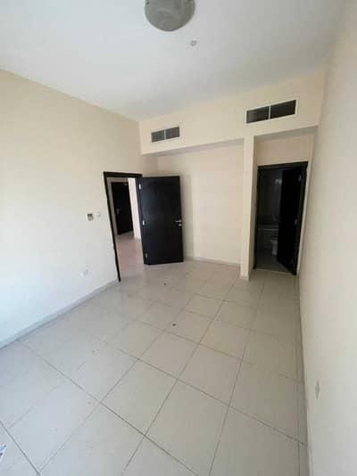 فلیٹ 2 غرفة نوم للبيع في مدينة الإمارات، عجمان - شقة في برج الزنبق مدينة الإمارات 2 غرف 255000 درهم - 5093923