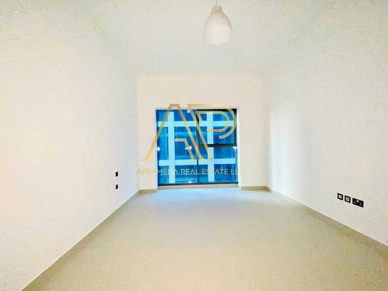 BRAND NEW CONTEMPORARY 1BHK  WITH STUNNING LAYOUT