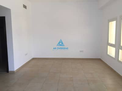 1 Bedroom Apartment for Sale in Remraam, Dubai - Vacant -1 BR with Closed Kitchen for Sale in Al Ramth