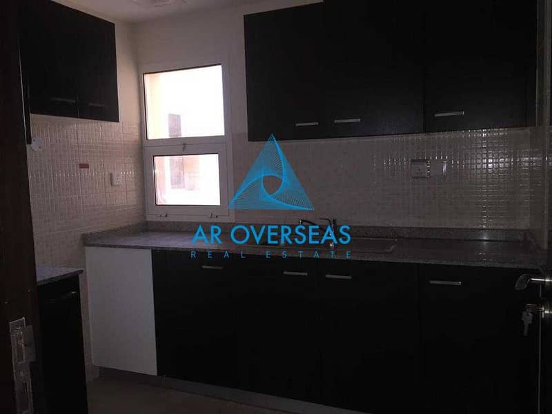 2 Remraam -AL Ramth Closed Kitchen Vacant apartment for Sale