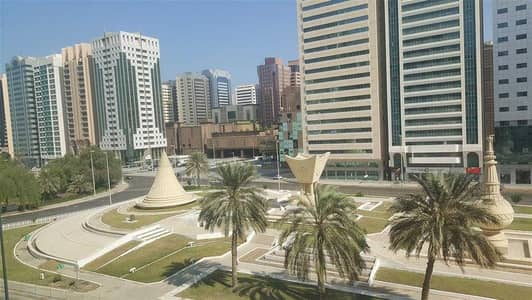 2 Bedroom Flat for Rent in Al Manhal, Abu Dhabi - 2 BED ROOM C. A/C VERY BIG FLAT AVAILABLE IN NEAR HAMDAN ST WALKING DISTANCE TO CORNICH