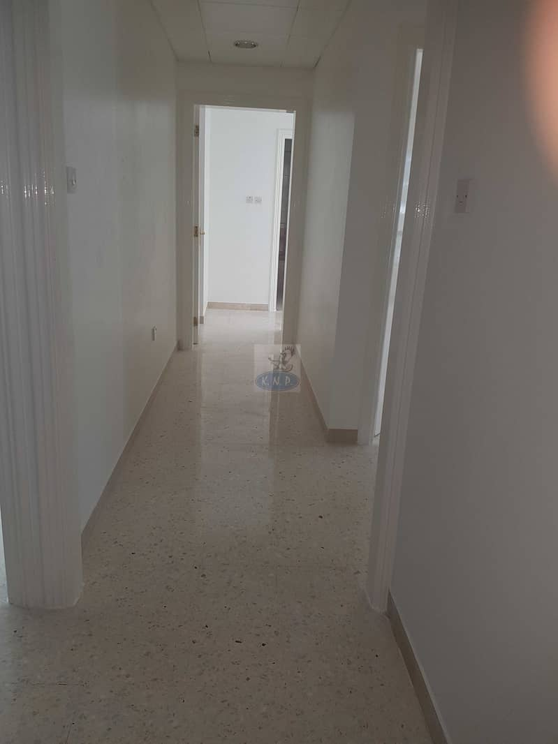 2 Spacious 3 bed room  flat wit huge balcony and sea view in new building in end of Hamdan st