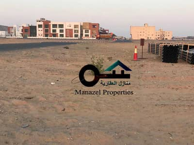 Plot for Sale in Al Jurf, Ajman - For sale residential commercial land behind the Chinese market next to the Indian school directly on the neighboring street, excellent location and next to all services
