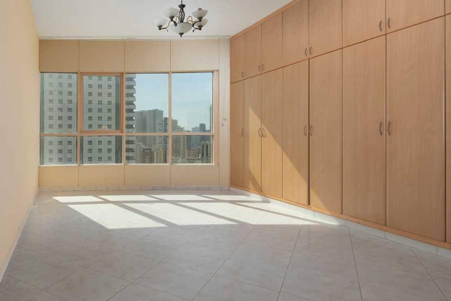 شقة في برج بو خاطر المجاز 3 المجاز 4 غرف 90000 درهم - 4270382