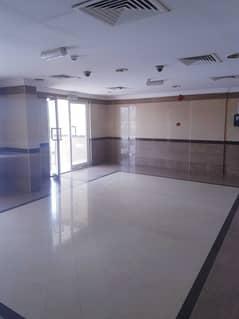 بدون عمولة !!!! شقة  مناسبة  للايجار  ضمن بناء عائلي في ام القيوين .