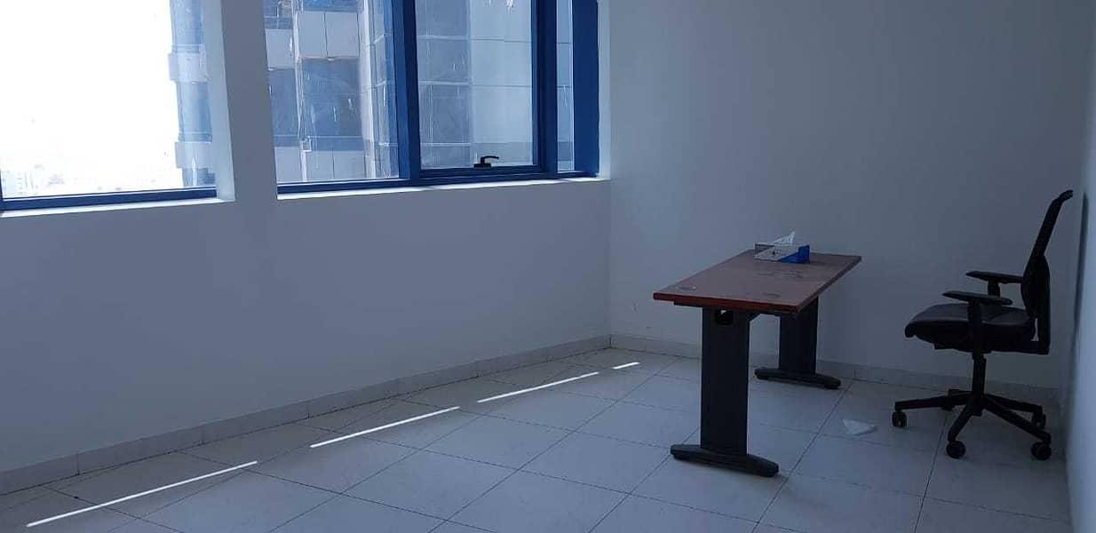 مكتب لليجار في موجود ابراج فالكون