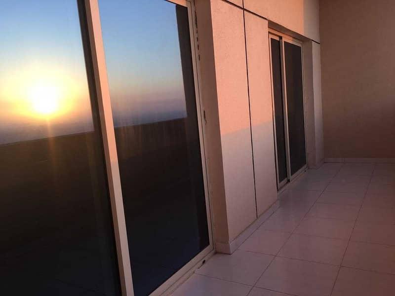 شقة في برج الزنبق مدينة الإمارات 1 غرف 14998 درهم - 4721793