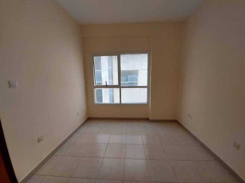 شقة في أبراج اللوز جاردن سيتي 1 غرف 14000 درهم - 5037845