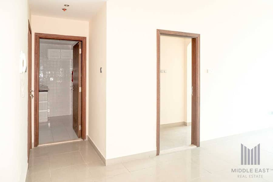 2 24*7 Viewing   1BHK with Balcony   Well Maintained Building