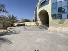 فیلا في الطوار 3 الطوار 9 غرف 145000 درهم - 5126021