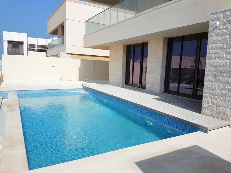 Corner 5 BHK Villa with Private Pool