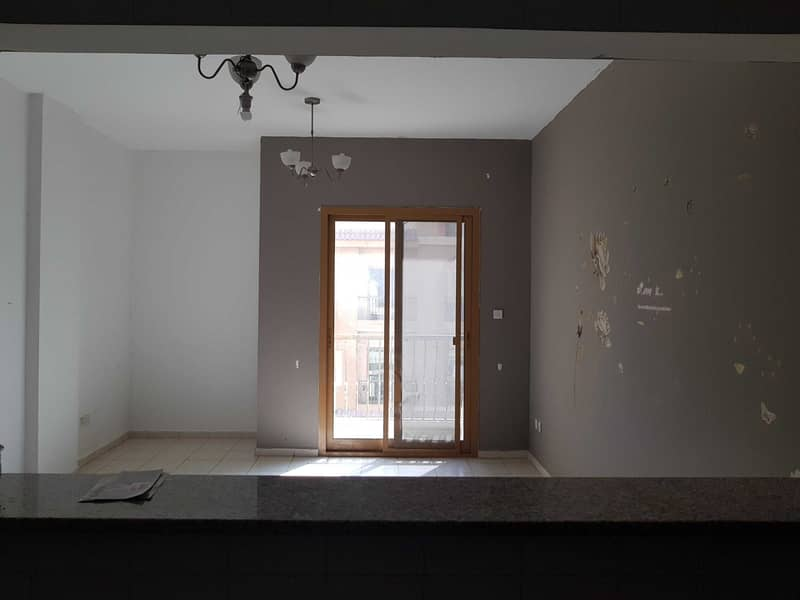 2 DOUBLE BALCONY ONE BEDROOM SPAIN CLUSTER FOR SALE