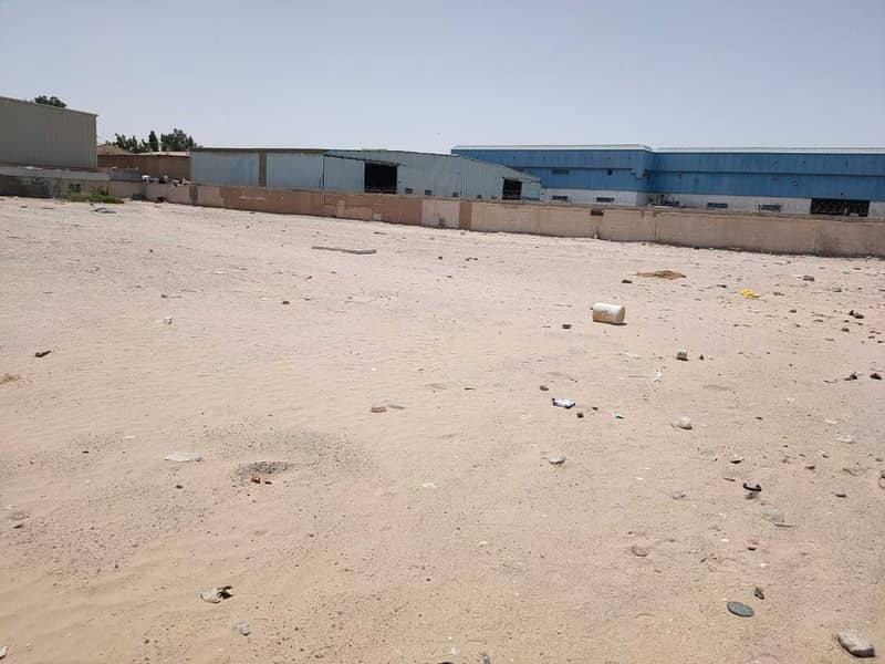 Industrial plot for sale in Al Quoz - Main road