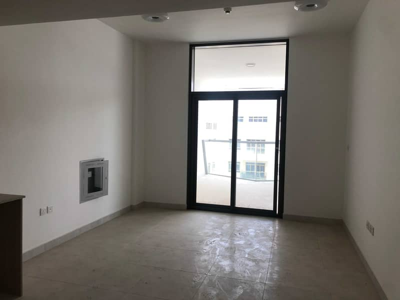 Brand new 1 bed  room flat for sale in binghatti stars