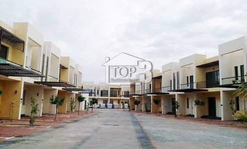 1 Bedroom Townhouse for Rent in Dubai Industrial Park, Dubai - Available Unfurnished  l  1 Bedroom   With Balcony  l  Townhouse  l   in Sahara Meadows 2 Dubai Industrial City Near New Al Maktoum Airport