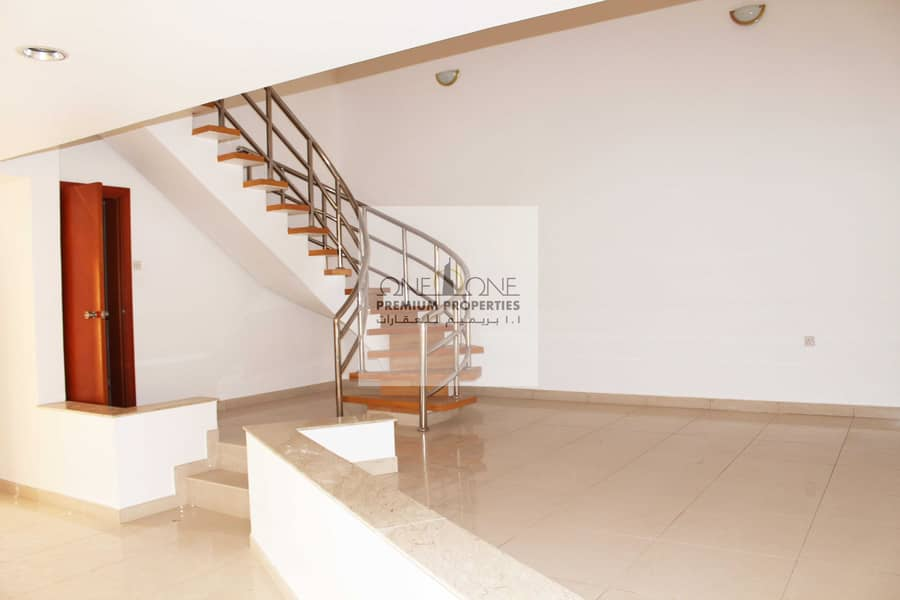 2 4 Bedroom  Villa Available For Rent In Jumeirah 03