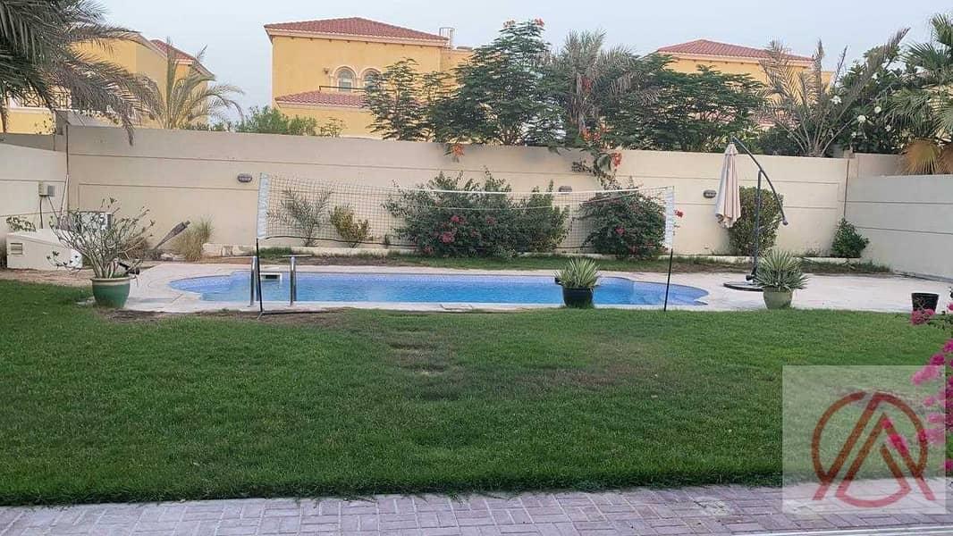Quite Location Legacy 4 BR Jumeirah Park 280k