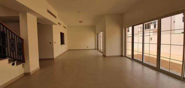 فیلا 4 غرف نوم للايجار في ند الشبا، دبي - فیلا في ند الشبا 3 ند الشبا 4 غرف 150000 درهم - 5190275