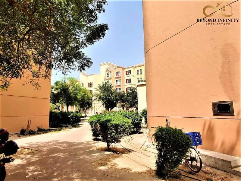 22 HURRY!!! Rent  A Property Next  To  Metro Station