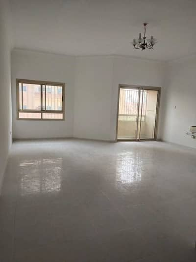3 Bedroom Flat for Rent in Al Nuaimiya, Ajman - Super Hot 3 bhk Big size in 33k is available for rent in al nuaimiya.