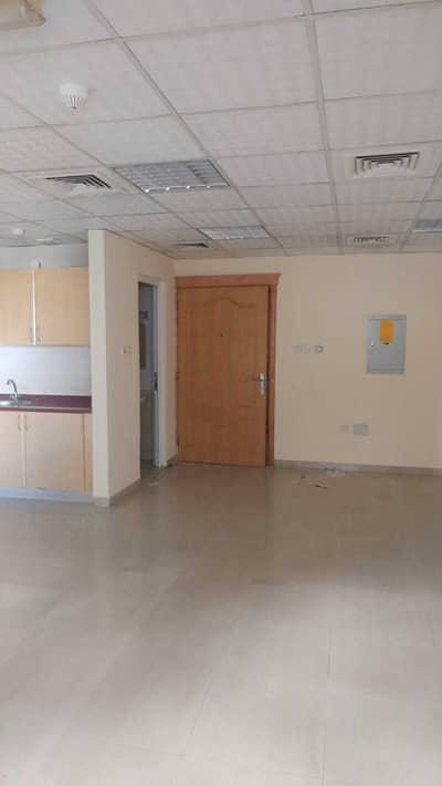 مکتب  للايجار في ديرة، دبي - مکتب في الراس ديرة 20000 درهم - 5168767