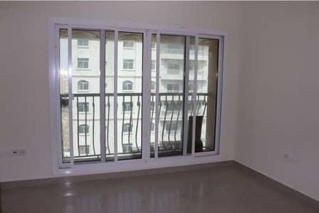فلیٹ 3 غرف نوم للبيع في المدينة العالمية، دبي - شقة في ترافلجارسنترال المدينة العالمية 3 غرف 950000 درهم - 5234083