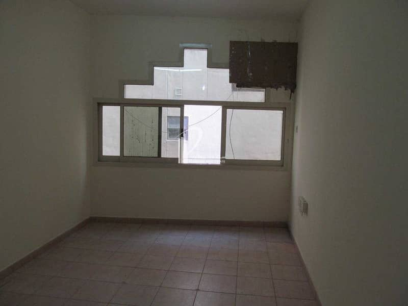 studio for rent with a free month - Afia Building