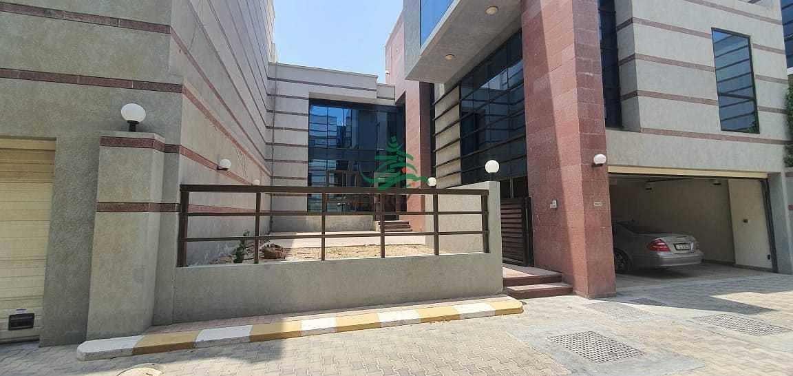 2 3-story villa