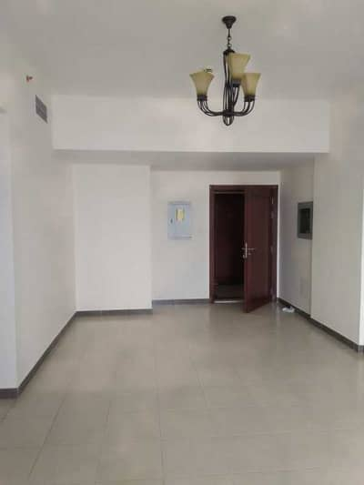 فلیٹ 2 غرفة نوم للبيع في المدينة العالمية، دبي - شقة في إنديجو سبكتروم 2 المدينة العالمية 2 غرف 870000 درهم - 5269107