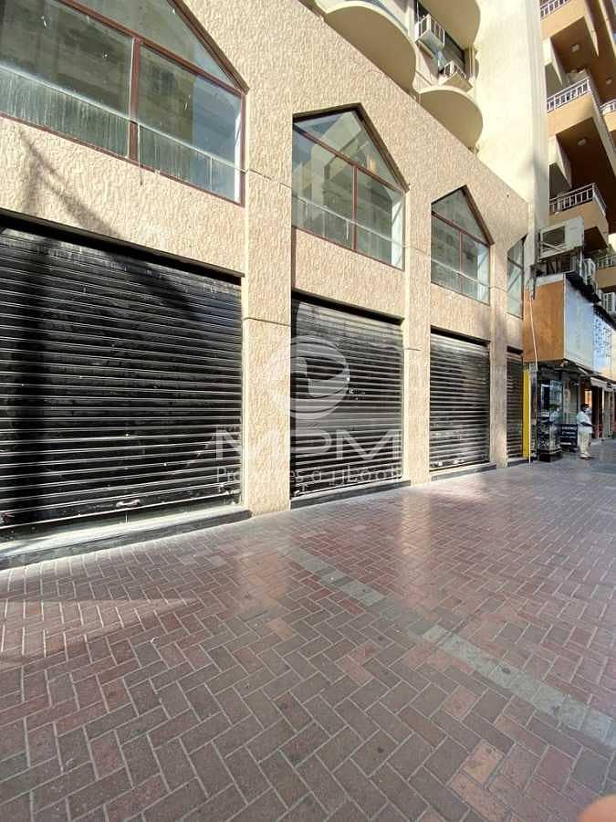 2 Retail Space with Basement Store & Mazanian Floor   6 Chqs