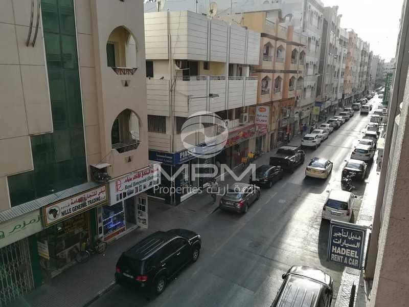 1 Month Rent Free   Balcony   5 Chqs