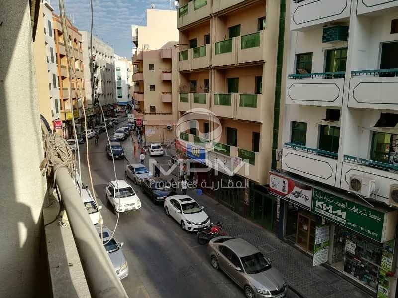 2 1 Month Rent Free   Balcony   5 Chqs