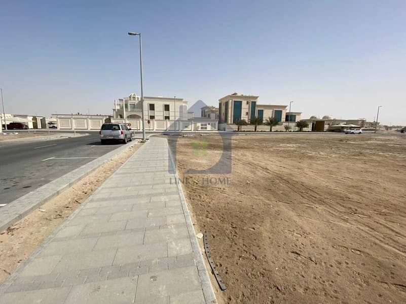 11 For Sale Residential land in Al Shawamekh city
