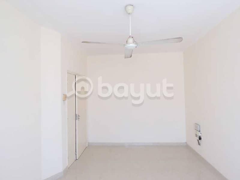 شقة في بناية ابتسام بهمان النباعة 3 غرف 21999 درهم - 4206311