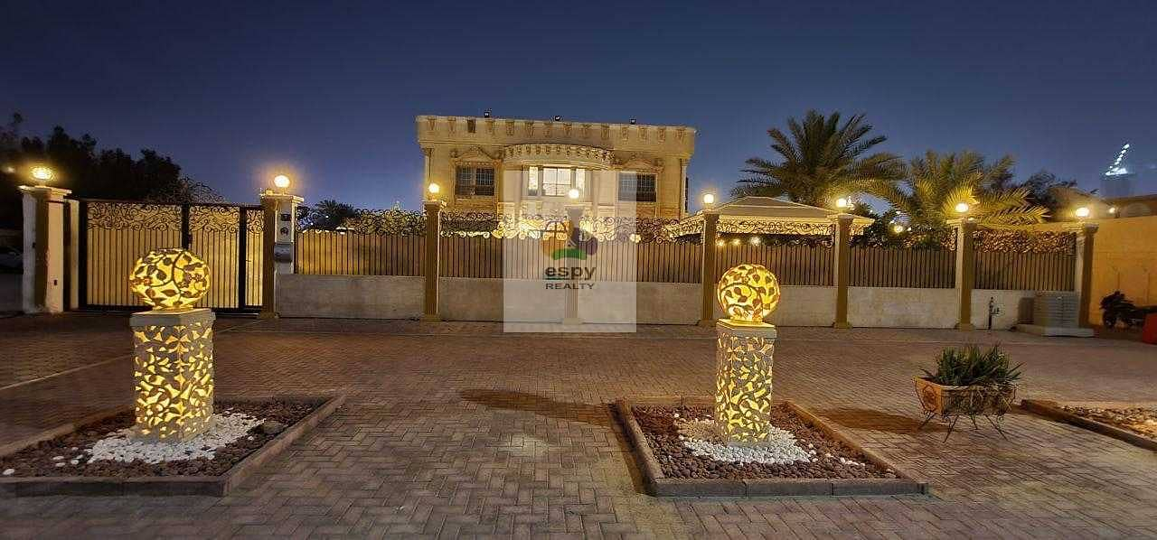 2 Villa for sale in Dubai Region: Al Wasl Dubai   Area: 13
