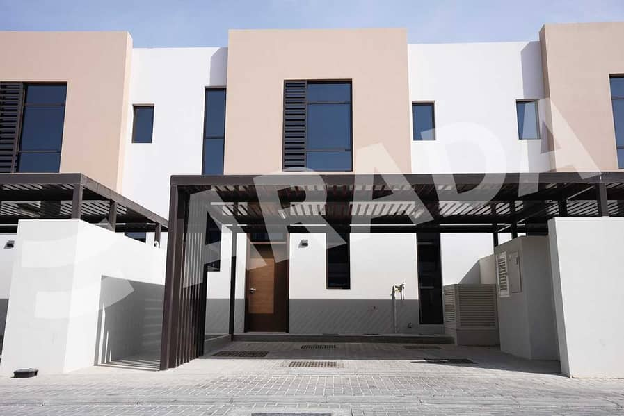 2 Spacious Layout   Townhouse   Three Bed