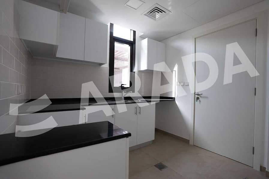 10 Spacious Layout   Townhouse   Three Bed