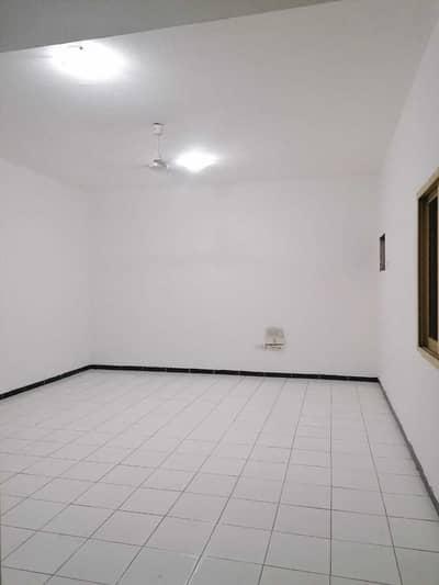 شقة 1 غرفة نوم للايجار في أبو شغارة، الشارقة - للايجار غرفة و صاله  شقة في ابؤ شغارة