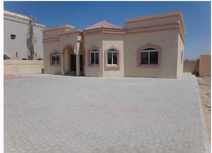 4 Bedroom Villa for Sale in Al Rahmaniya, Sharjah - villa for sale in al Rahmaniya sharjah