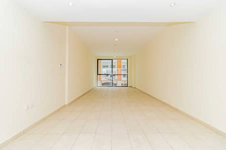 2 Bedroom Flat for Rent in Bur Dubai, Dubai - Grab your SUMMER Promotions NOW and Make it your HOME Up to to 12 chqs