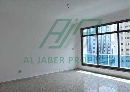 شقة 4 غرف نوم للايجار في الحصن، أبوظبي - شقة في الحصن 4 غرف 100000 درهم - 4648406