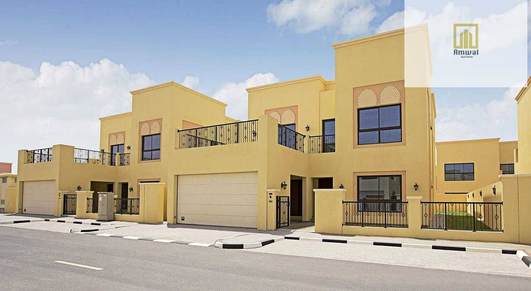 gate the villa in Dubai 10K monthly pay